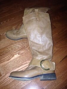 Steve Madden Leather Boots Size 6.5