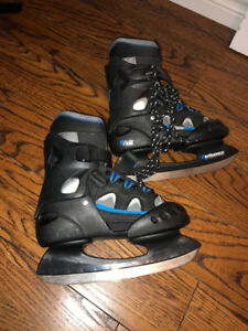 KIDS  SKATES - NEVER USED