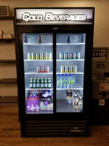Cold Beverage True Sliding Door Fridge