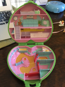 Vintage Polly Pocket Pony Club Horse Stable 1989 & Dolls