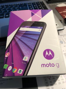 Brand new (still in sealed box) Moto G3 cell phone