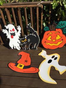 Decorations d'ahlloween en plastique tres epais.