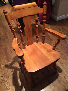 Canadel Solid Maple Dining Set with 6 chairs.  Made in Canada Stratford Kitchener Area image 2