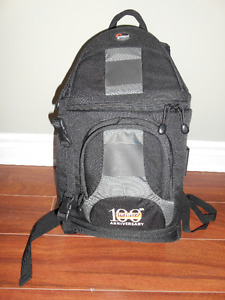 "Lowepro SlingShot 200 AW ""Henry's 100th Anniversary"" camera bag"