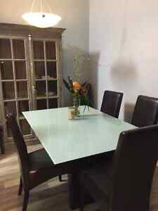 """Tempered glass 5 x 3""""4 with six chairs"""