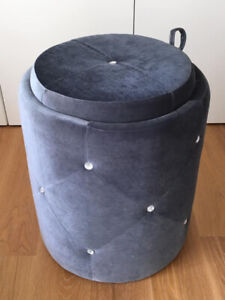 Vanity Ottoman/Seat with Storage (Blue Velour with jewels)
