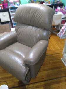 Love seat and recliner Lazy boy 3 PC set
