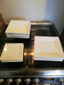 Maxwell Williams white basics Dinner service set