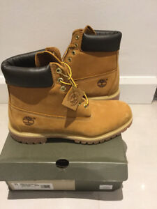 NEW IN BOX MEN'S TIMBERLAND CLASSIC  BOOTS 10061 WHEAT SIZE 11