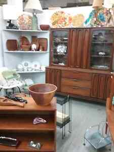 Canada's largest antique mall 600 booths to explore  Stratford Kitchener Area image 7