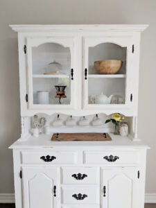Beautiful Farmhouse Hutch