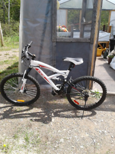 Bicyclette CCM ALPINE 21 vitesses