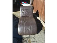 BROWN LEATHER CHAISE LOUNGE SOFA SOFA ** FREE DROP OFF WEDNESDAY ***