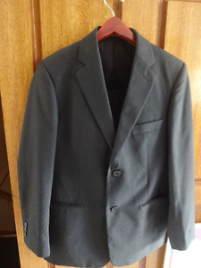 Boys' formal suit size 14-16 (as good as new)