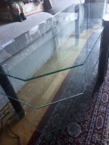 3 TIER GLASS ENTERTAINMENT UNIT