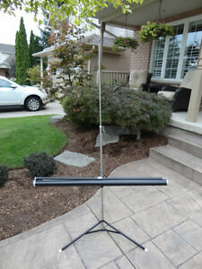"Tripod Projector Screen - Collapsible - 40"" x 40"" - Great Shape Kitchener / Waterloo Kitchener Area image 2"