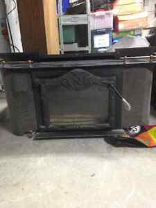 Foyer à bois/ wood burning stove