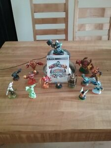 Skylanders Giants PS3, avec 13 figurines