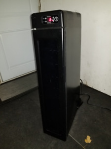 Wine Cooler - Electronic, 7 bottle capacity