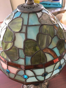 Beautiful Tiffany lamp table size. West Island Greater Montréal image 1