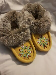 CANADIAN NATIVE CUSTOM-MADE MOCCASINS