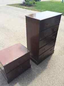 5 DRAWER DRESS/NIGHT STAND---PERFECT FOR STUDENT London Ontario image 2