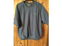 Size M waterproof golf top