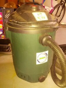 Aspirateur sec et humide BMR