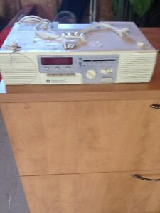 Radio with cassette Player for Under Cupboard Peterborough Peterborough Area image 1