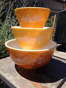 Vintage PYREX FIRE-KING FEDERAL BOWLS - GREAT CONDITION! London Ontario image 5