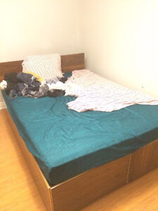 like new queen size box bed