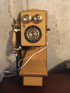 Replica antique phone