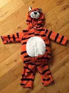 Costume de tigre pour bébé