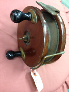 LARGE WOODEN ANTIQUE FISHING REEL FOR J. PEEK ROD