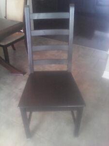 Chaise de cuisine chairs recliners gatineau kijiji for Chaise bercante kijiji