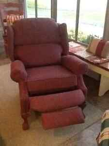 Lazy boy Wing/recliner- on HOLD until Saturday