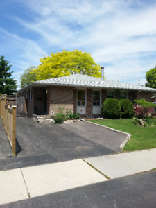 3 BD RM HOUSE AVAILABLE Sept. 12 IN DESIRABLE AREA OF MISISSAUGA