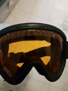 Ski/ snowboarding goggles. OAKLEY