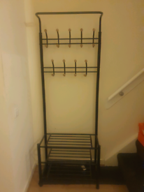 Coat stand with 3 shelves