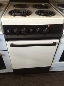 Cream & brown 50cm electric cooker grill & oven good condition with guarantee bargain