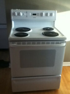 11 month old Hotpoint stove