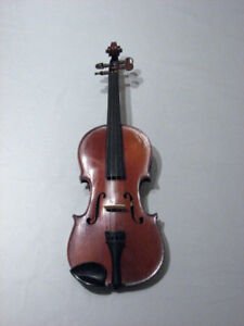 3/4 and 4/4 vintage French violin