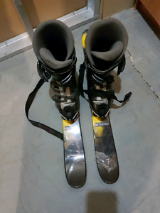 Men's boots on skis
