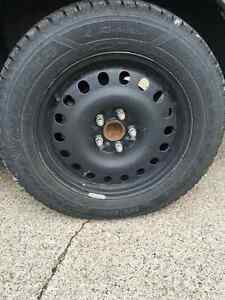 Winter tires 225/60R17 with rims Windsor Region Ontario image 2