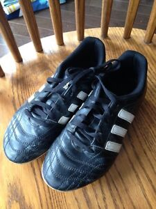 FOR SALE:  Adidas Soccer Cleats Youth Sz 5.5 Boys Girls