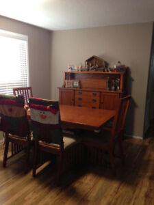 Dining Table (with insert) : 6 chairs : Hutch