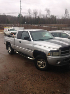2001 Dodge Sport Extend Cab 4X4