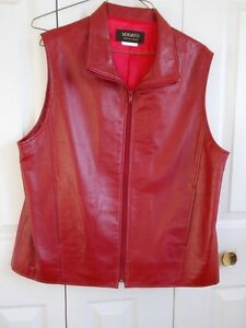 LADIES REALLY NICE RED VEST SIZE L