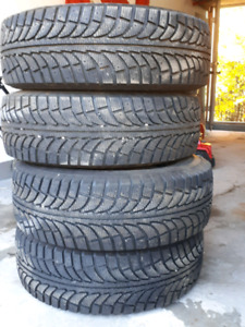 Like New SUV Snow Tires