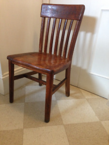 Beautiful Krug Antique Solid Oak Office Chair, very sturdy and c